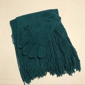GAP Medium / Large Scarf and Gloves Teel Green